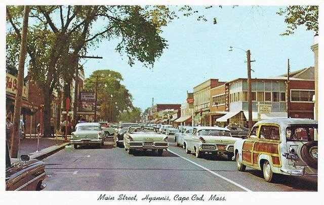 Circa 1960 postcard. Center Theatre on left.