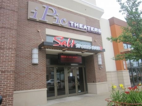 iPic Theaters at The Promenade Bolingbrook