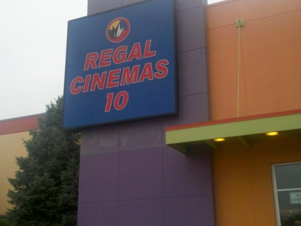 Regal Manahawkin 10