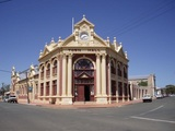 York Town Hall and Gardens