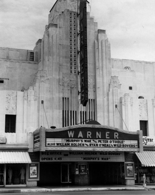 Warner Huntington Park Theatre exterior