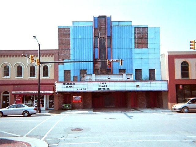 Reeves Theatre & Cafe