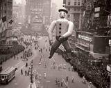 1940 Macy's parade photo via Stephen Ellcock.