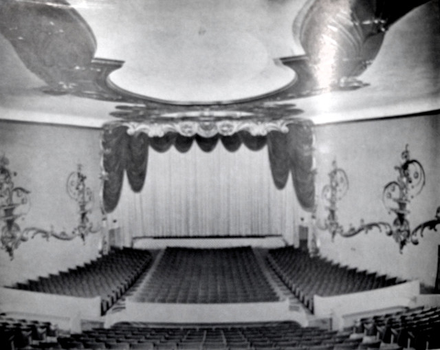 Fox Crest Theatre auditorium