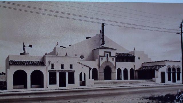 Riviera Theatre 1927, slightly wider view