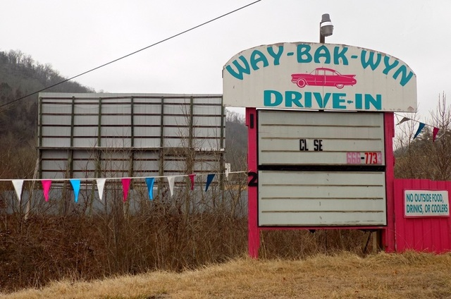 Way-Bak-Wyn Twin Drive-In
