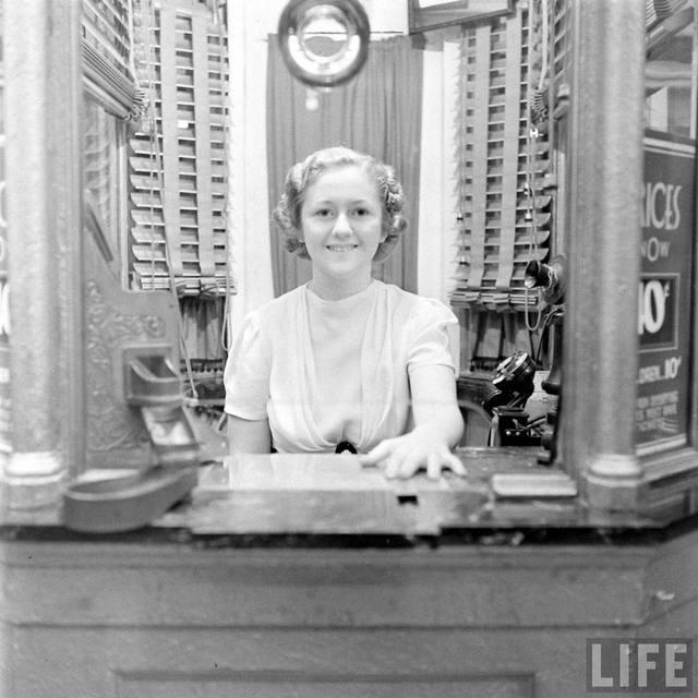 LIFE Magazine essay on the Kenosha Theatre, 1938. (Photo by Bernard Hoffmann)