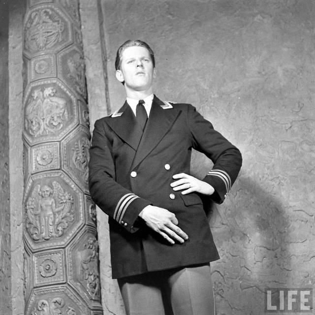 LIFE Magazine essay on the Kenosha Theatre, 1938 (Photo by Bernard Hoffman)