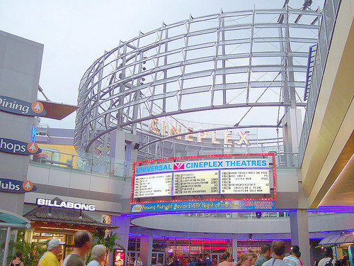 AMC Loews Universal Cineplex 20