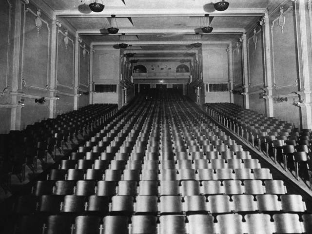 1913 interior photo courtesy of Jim Robb.