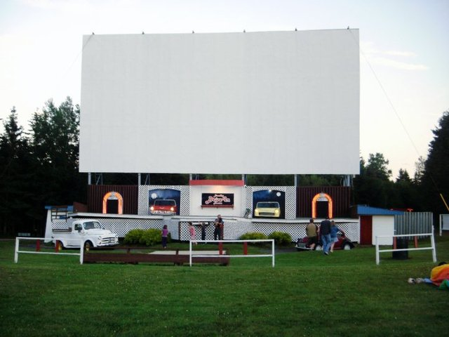 Brackley Drive-In