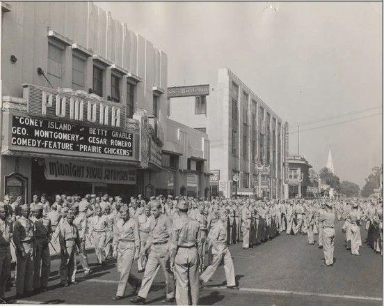 Pomona Fox 1943