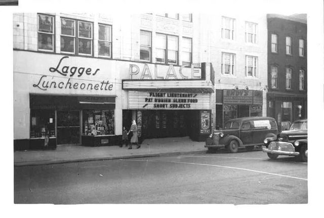 Palace Theatre in 1942.