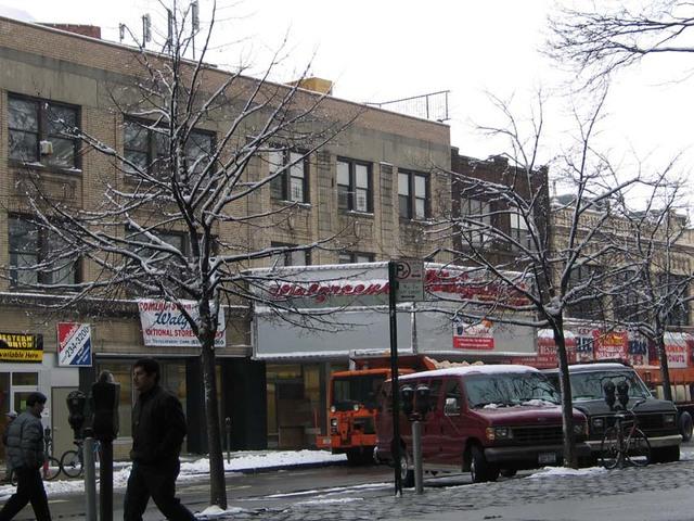 Loew's Plaza