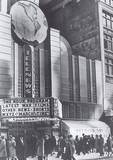Downtown Detroit Newsreel Theatero