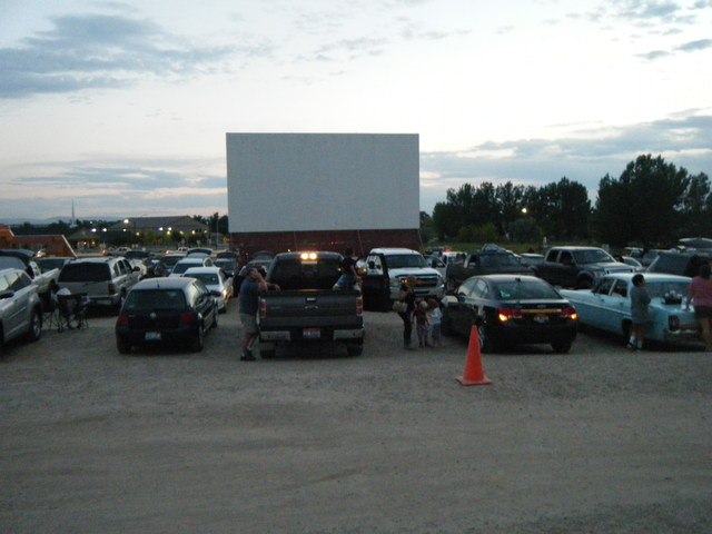 Terrace Drive-In parking lot before the movie (07-01-2017) - View 1