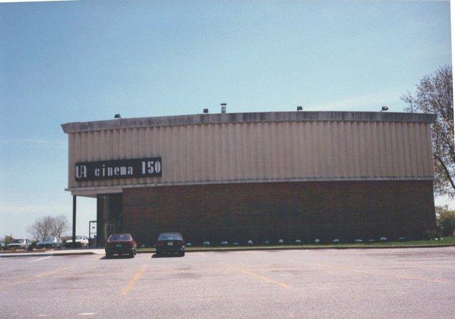 Syosset UA Cinema 150