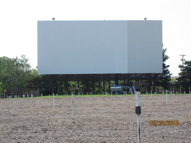 Aut-O-Rama Twin Drive-In