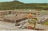 Holiday Inn postcard, next door to the Skyway Drive-In.