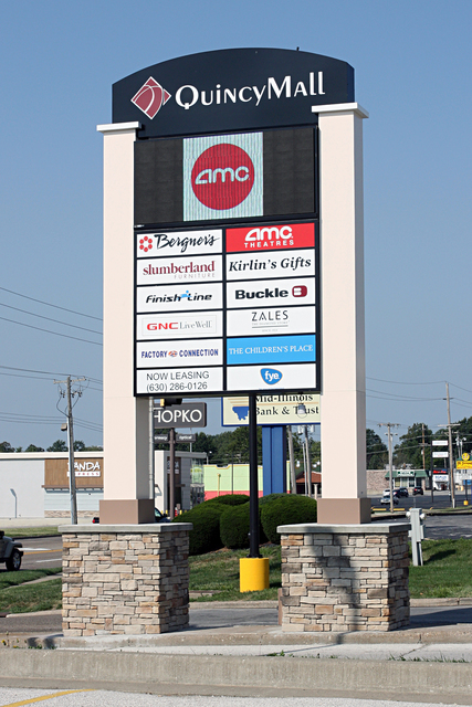 AMC Classic Quincy Mall 3, Quincy, IL