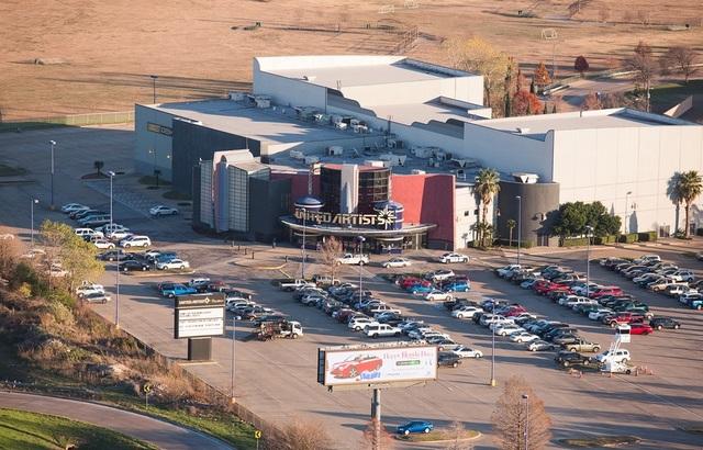 UA Galaxy Theatre Stadium 10
