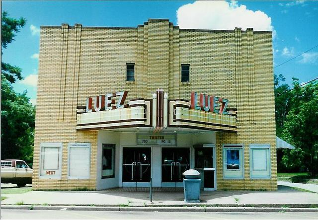 Luez Theater, Bolivar TN - June 1996