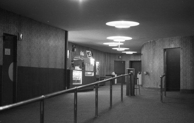 Devon Theatre, Lobby, 1979