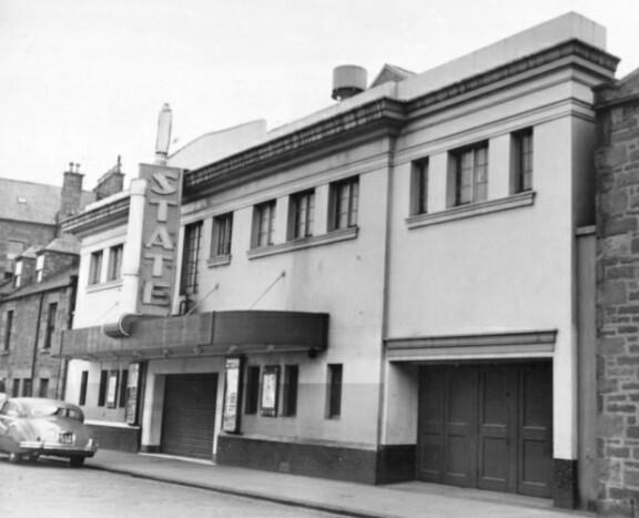 State Cinema, Bell f