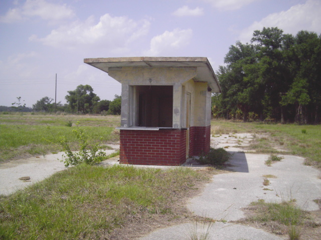 Ticket booth 2004 (now gone)