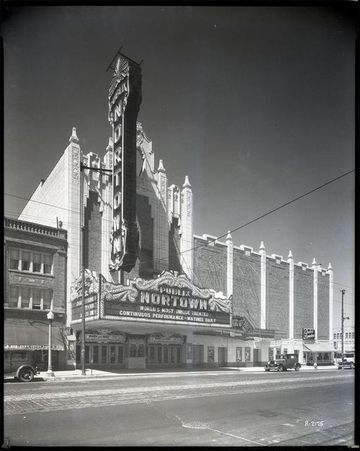 1931 photo credit Theatre Historical Society Of America.