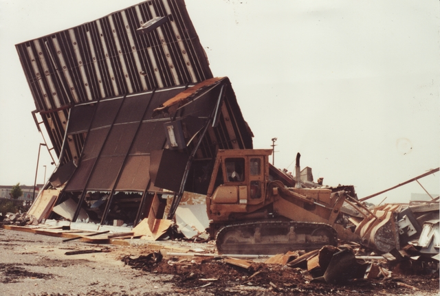Bayshore Cinema demolition 1991
