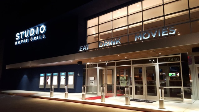 Studio Movie Grill Pearland