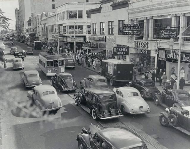 Olympia blade sign upper L/H corner in 1940.