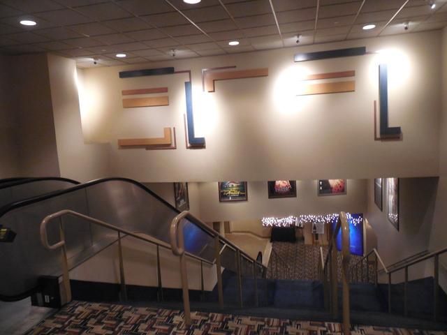 12-19-17 ground floor stairway to auditoriums
