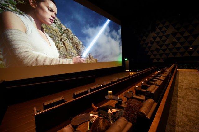 Veranda LUXE Cinema & IMAX