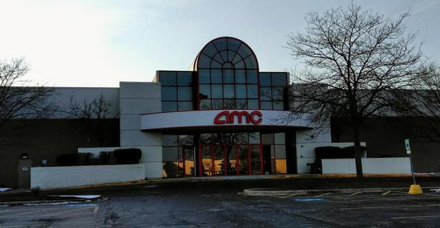 AMC Loews Crestwood 18