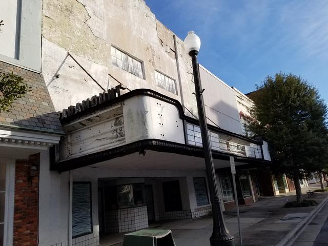 Paramount Theater, 211 Queen Street, Kinston, NC