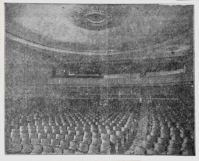 Oaks Auditorium 09-25