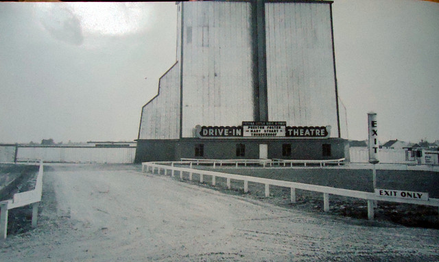 Little Dixie Airway Drive-In Theatre exterior