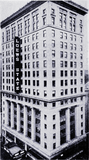 <p>1932 shot of the Loew's State Theatre in New York</p>