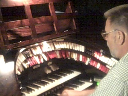 Chaz at the Tampa Wurlitzer