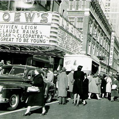 Loew's State Theatre exterior