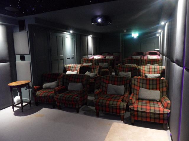Hoste Cinema