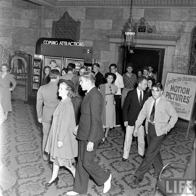 LIF Magazine essay on the KENOSHA Theatre, 1938 (Bernard Hoffmann photo)