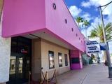 Pink- ByronCarlyle / O Cinema