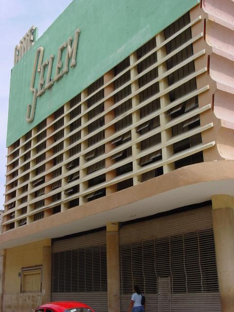 Cine Sélem closed.