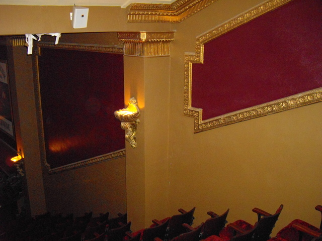 Balcony (right)