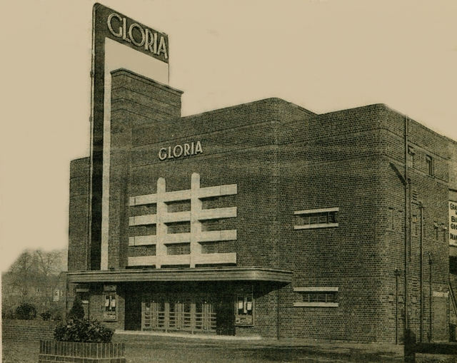 gloria cinema derby around its opening date