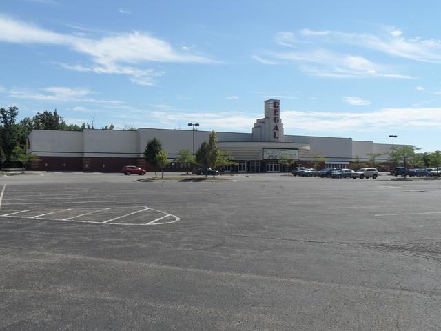 Regal Georgesville Square Stadium 16