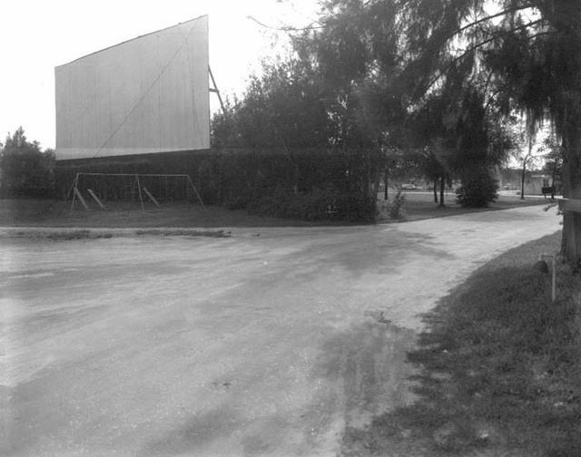 Floriland Drive-In Theatre, Tampa FL